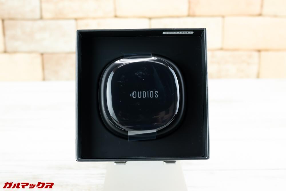Dudios Zeus TWSの外箱はお弁当箱タイプ。キレイにケースが梱包されています。