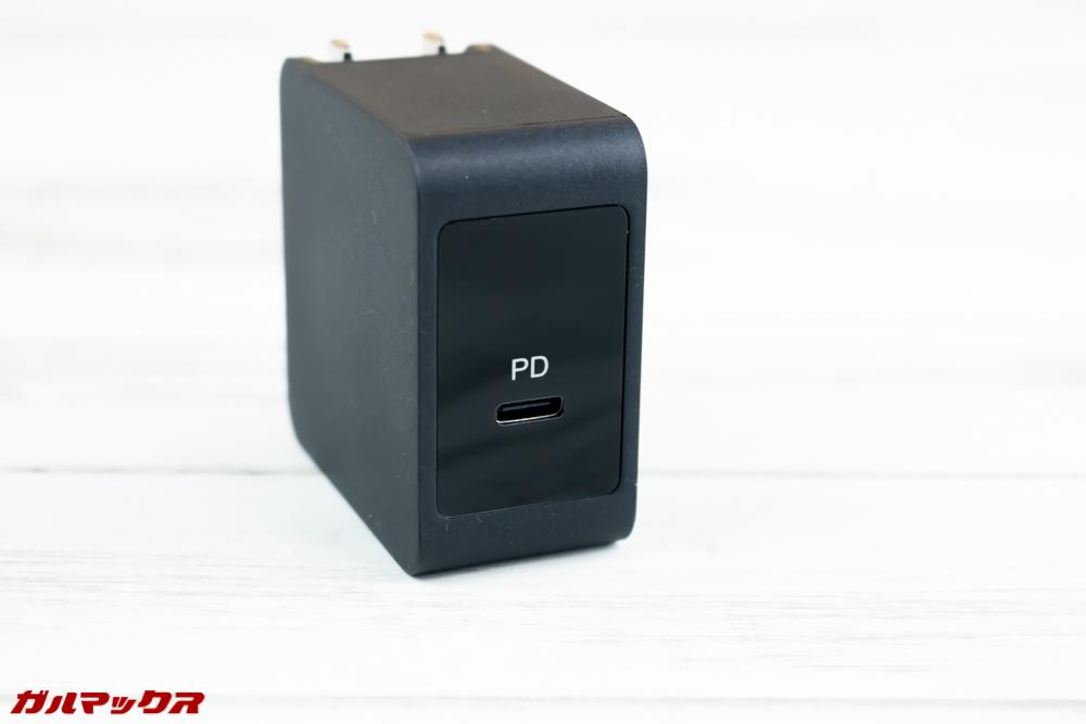 One Mix 2Sの充電器はUSB Type-Cを直接挿すPDType。