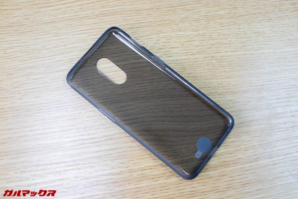 OnePlus 6Tのケースはブラックタイプ
