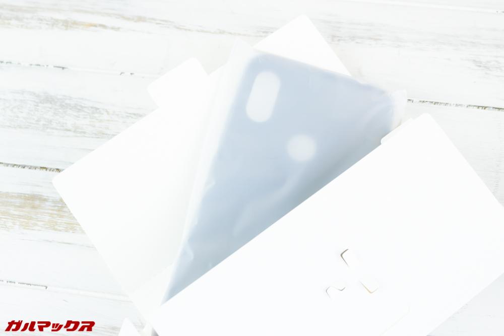 Xiaomi Redmi Note 6 Proにはケースが付属しています。