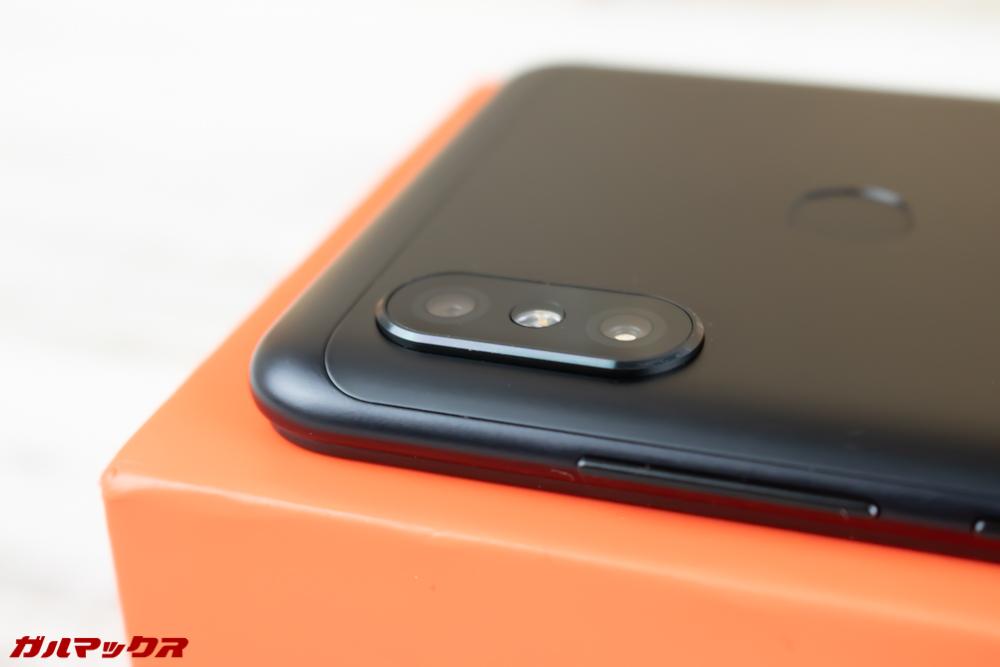Xiaomi Redmi Note 6 Proのカメラは結構出っ張っています。