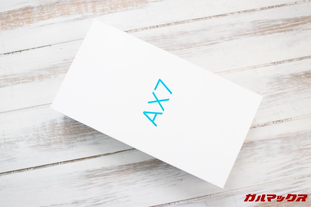 OPPO AX7の外箱はホワイトのシンプルな箱。