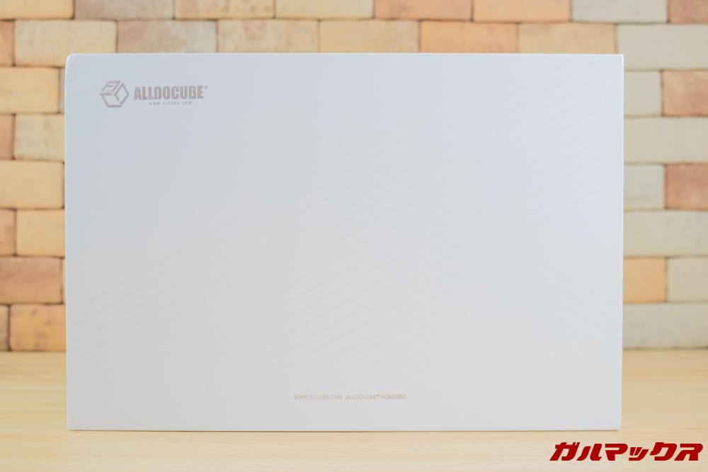 ALLDOCUBE M5Xはホワイトボックスに入って届きました。