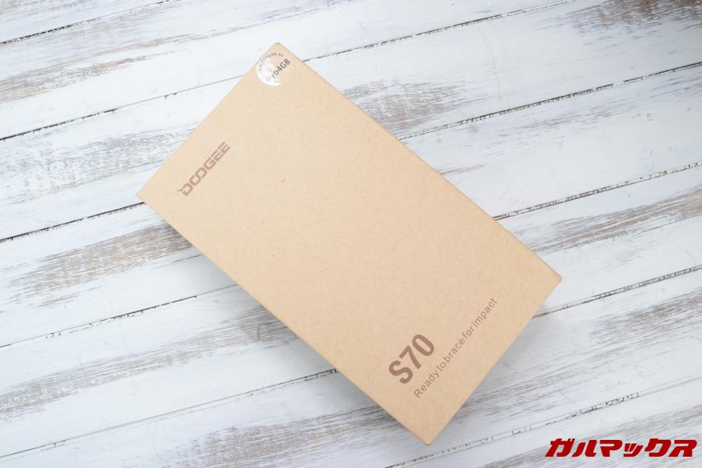 DOOGEE S70の外箱はシンプルな茶色いパッケージ。
