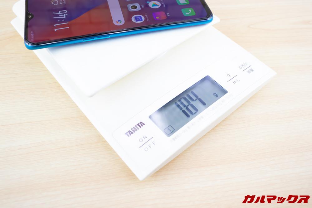 OPPO R17 Proの重量は実測値で184gです。