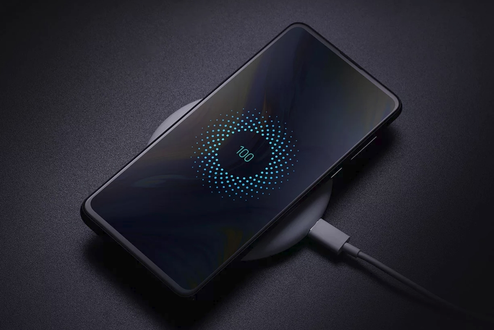 Xiaomi Mi MIX 3はワイヤレス充電に対応。急速の10Wをワイヤレスで行えます。