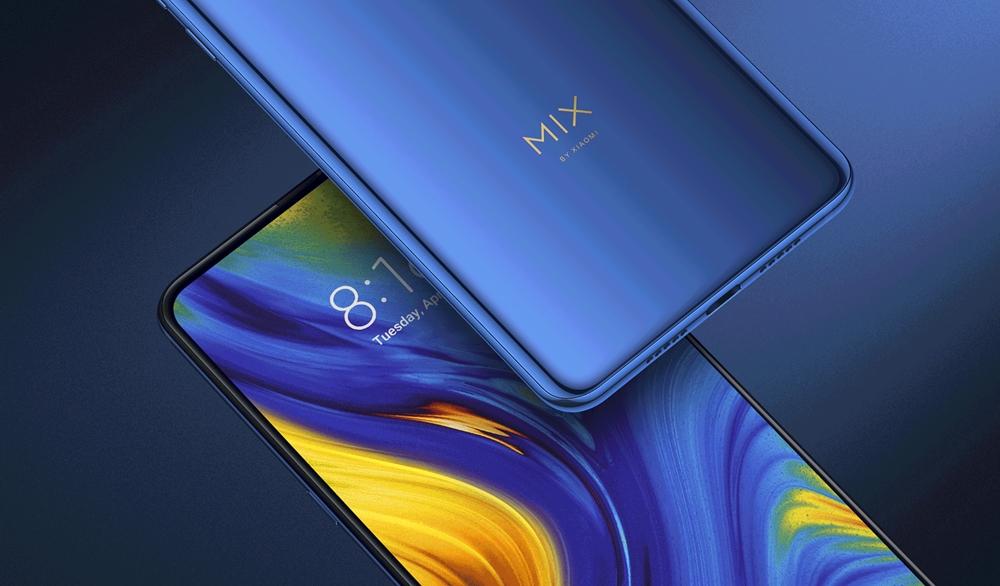 Xiaomi Mi MIX 3の背面は上品な光沢感のある背面パネルを採用。