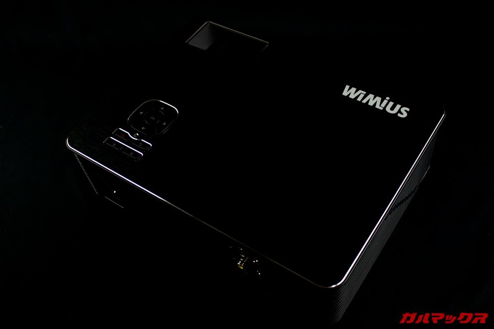 WiMiUS P18はダイヤモンドカットが施されていたり高級チックな加工が随所に施されています。