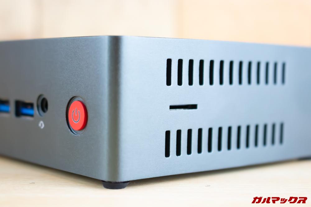Beelink J45はMicroSDスロットを搭載しているので簡単にデータのインポートが可能となっています。