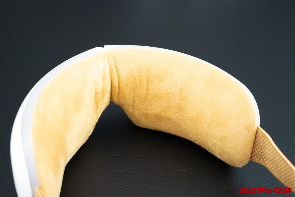 Breo Isee4の目に当たる部分は肌触りの良い生地を採用しています。