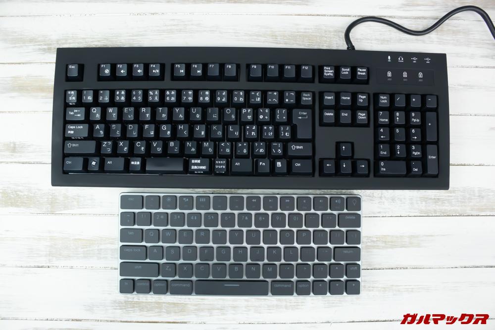 Taptekは一般的なキーボードと比較して凄くコンパクトな設計となっています。