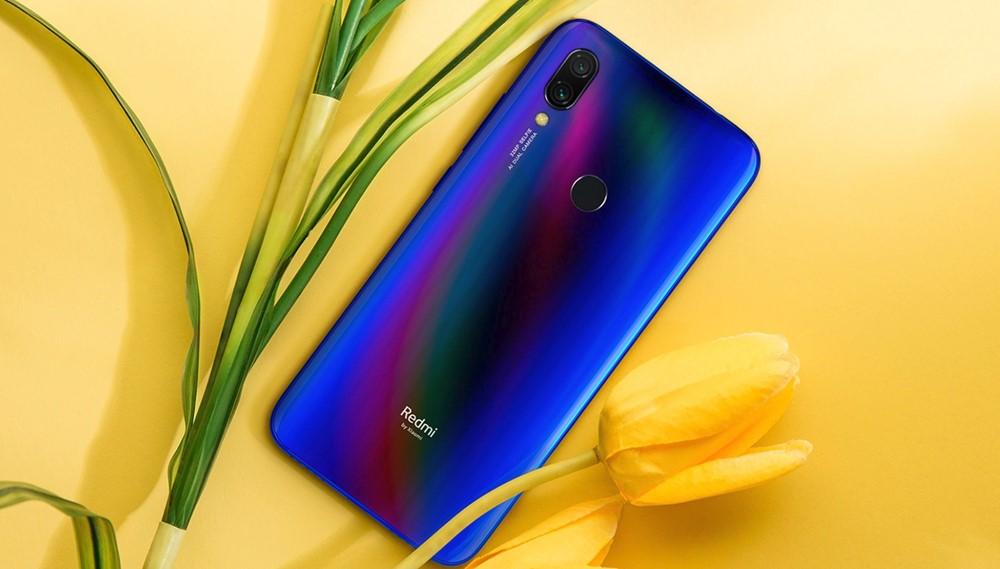 Xiaomi Redmi Y3のブルー系カラー
