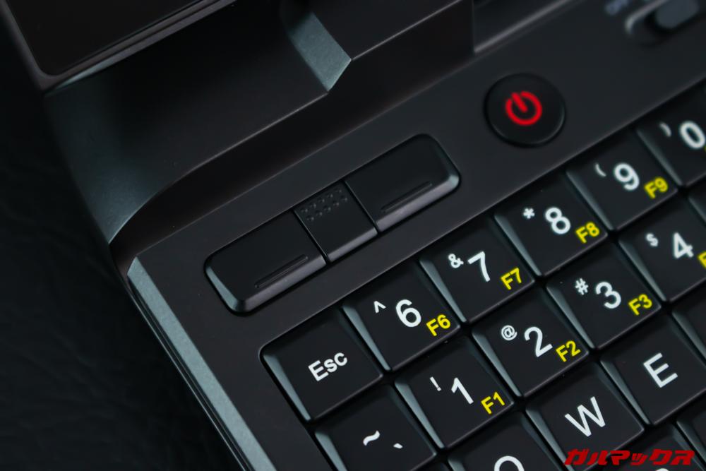 GPD MicroPCのキーボード左上にはマウスボタンを搭載。