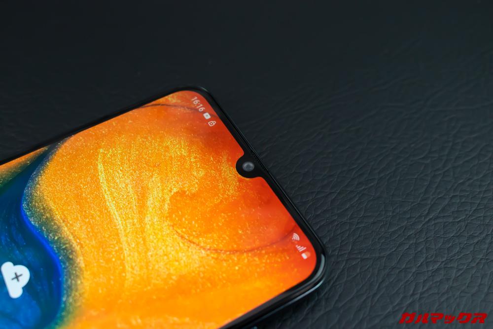 Galaxy A30はノッチ付きディスプレイを採用している。