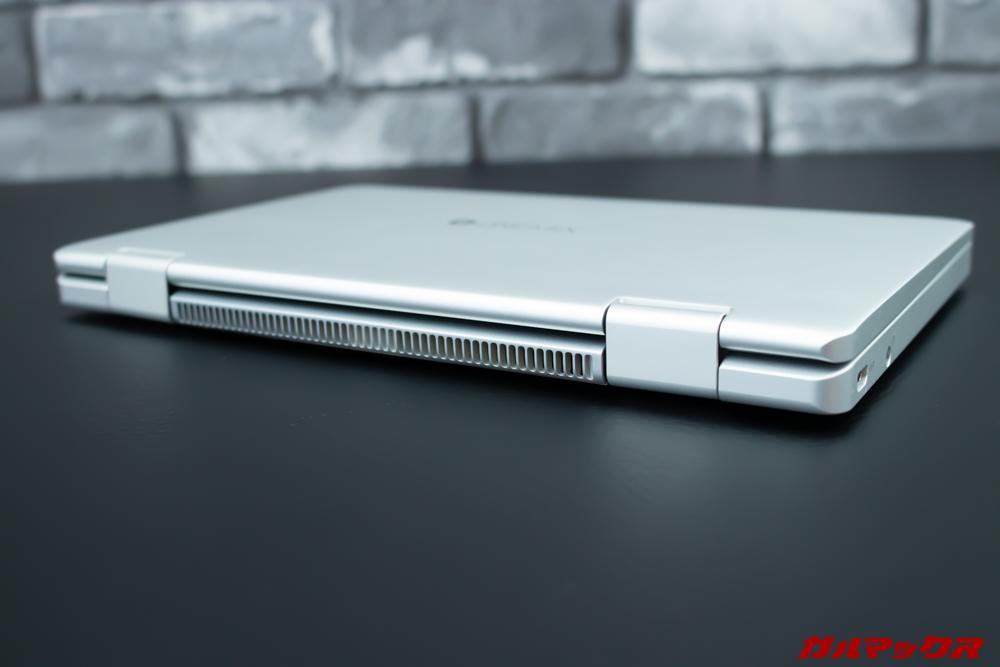 OneMix 3の背面は大型の通気口を搭載しているので排熱性能に期待できます。