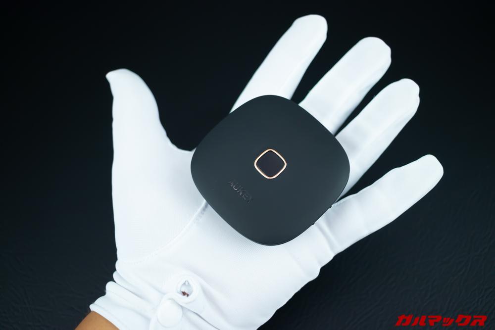 BT-C6は手のひらサイズでコンパクト
