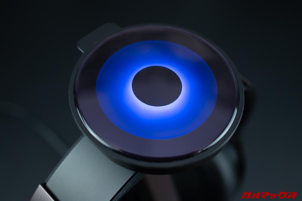 Mu6のスタンド上部は目視で充電状況が分かるようになっています。
