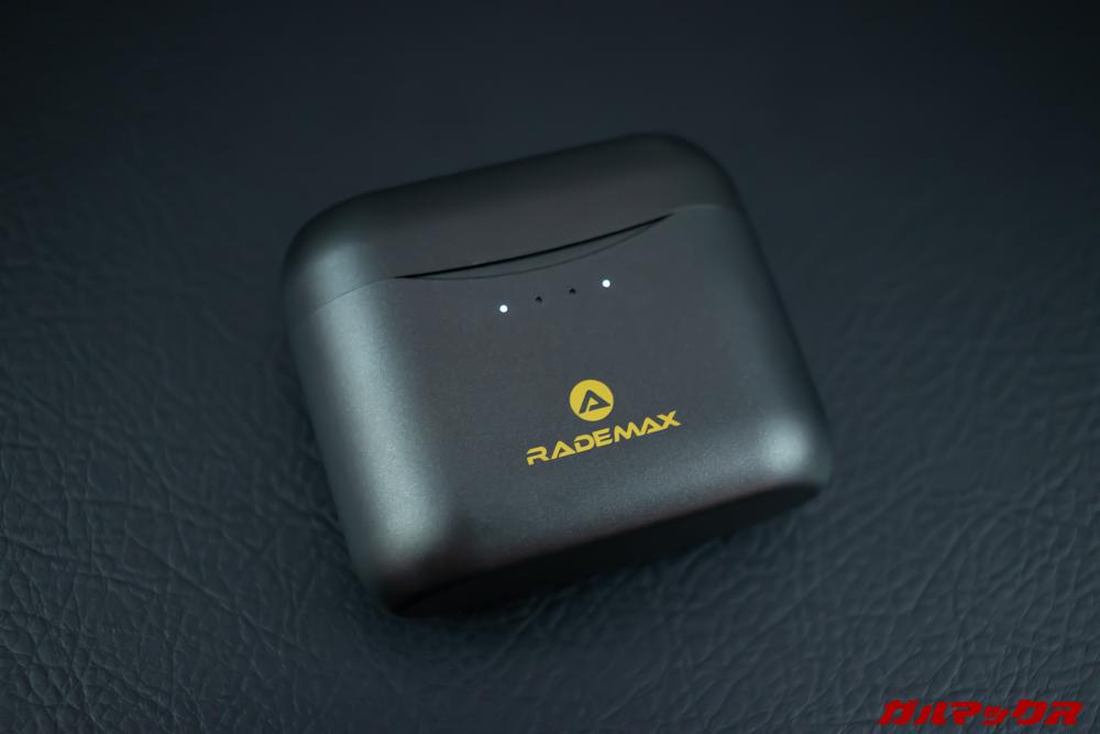 Rademax LEOのケースはスリムタイプ