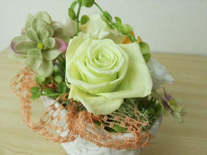 ファーウェイP9liteのカメラで花瓶の花アップ撮影