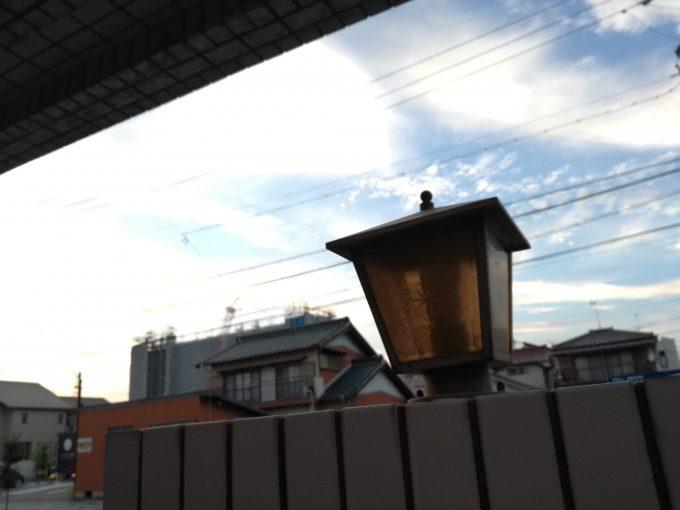 ファーウェイのP9liteのカメラで街灯を撮影