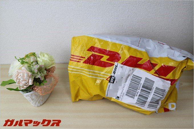 DHLから商品が届きました