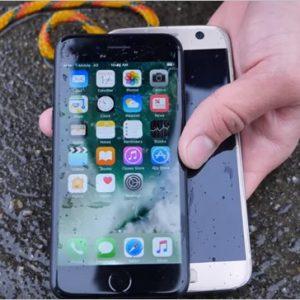iPhone7とGalaxyS7を海に沈めて防水性能を比較したテスト映像