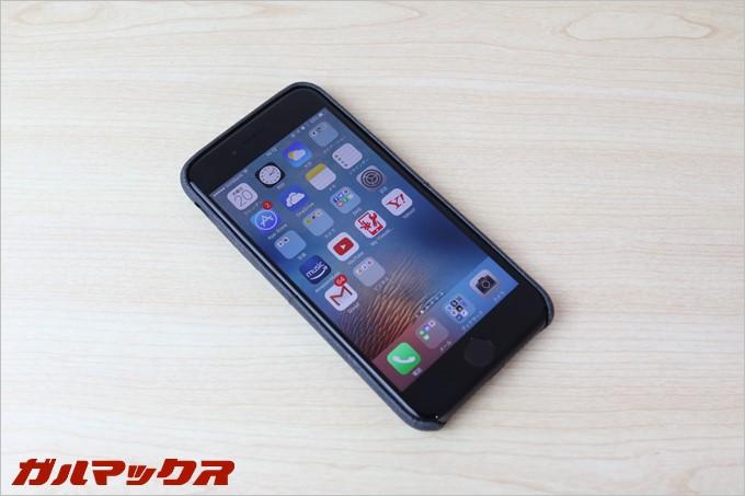iPhone7のブラックにつけてみましたがかなり見た目は大人びています