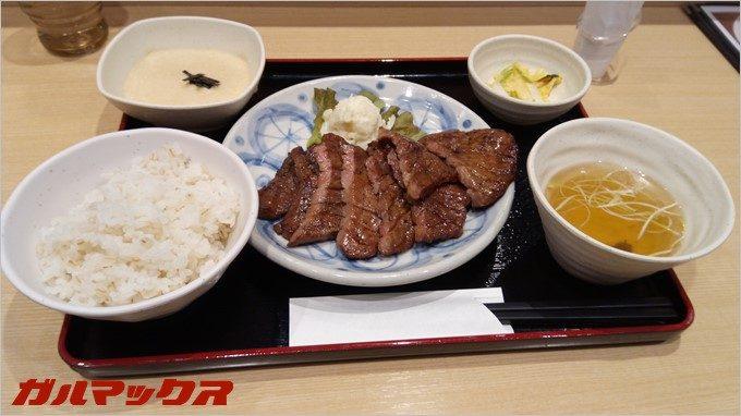 RAIJINでお料理を撮影。美味しそうに撮影できました。