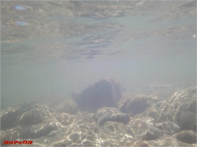 水中でも撮影が可能です。