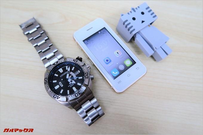 MELROSE S9は腕時計よりも小さい