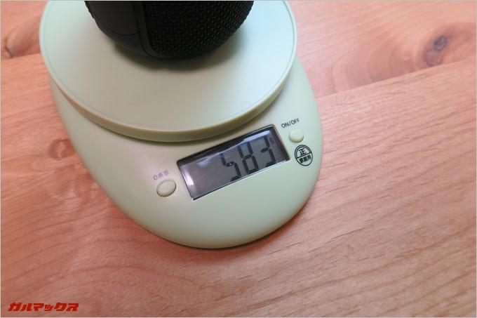 本体単体の重量は583g