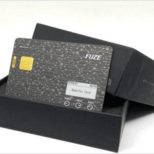 30枚のクレカが「Fuze Card」1枚に。故障や盗難時にも強く魅力的に感じた