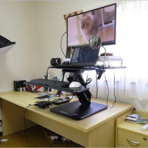 座り、立ち、即切り替え。Loctekの卓上スタンディングデスク「F3B」レビュー